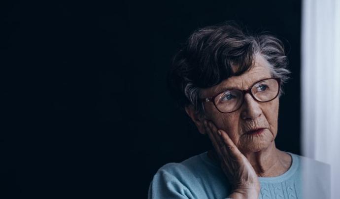 Alzheimer Catalunya dona recursos per facilitar la gestió emocional amb les persones grans. Font: Alzheimer Catalunya