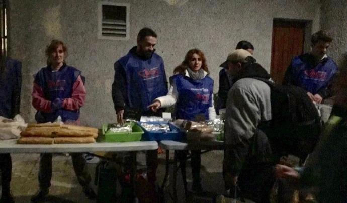 Actualment hi ha 956 persones dormint al carrer i 2.099 s'allotgen en equipaments. Font: Am Font: Font: Amásdes.