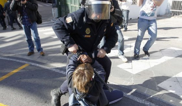 El Parlament de Catalunya va prohibir l'ús de les bales de goma en actuacions policials l'any 2014.