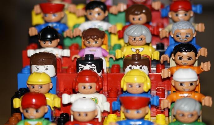 Al Nadal sorgeixen moltes iniciatives que promouen la donació de joguines. Font: Banc d'imatges