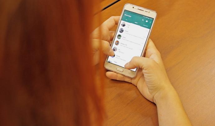 Whatsapp és una eina de missatgeria instantània molt utilitzada per les entitats. Imatge de Marco Verch. Llicència d'ús CC BY 2.0 Font: Marco Verch. Llicència d'ús CC BY 2.0