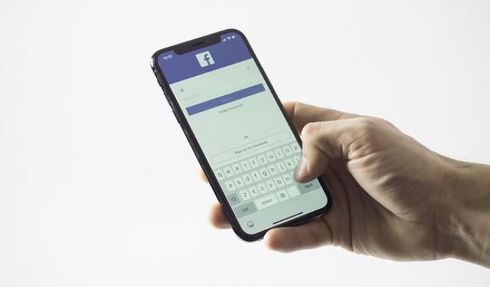 Connectant Facebook amb Instagram, podreu publicar als dos llocs, a la vegada. Stock Catalog. Llicència d'ús CC BY 2.0 Font: Stock Catalog. Llicència d'ús CC BY 2.0