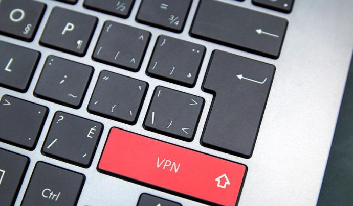 Les VPN són una molt bona eina per teletreballar. Imatge de Richard Patterson. Llicència d'ús CC BY 2.0 Font: Richard Patterson. Llicència d'ús CC BY 2.0