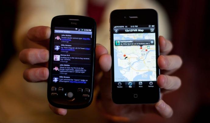 Mitjançant l'ús d'aplicacions mòbils es pot ajudar a les persones nouvingudes. Imatge de Morten Rand-Hendriksen. Llicència d'ús CC BY-NC-ND 2.0 Font: Morten Rand-Hendriksen. Llicència d'ús CC BY-NC-ND 2.0