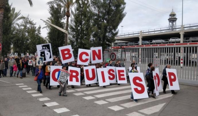 Acció de protesta al Port de Barcelona contra els creuers turístics. Font: Twitter