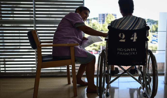 El voluntariat de Tarraco Salut treballa per evitar la soledat no desitjada de les persones malaltes.