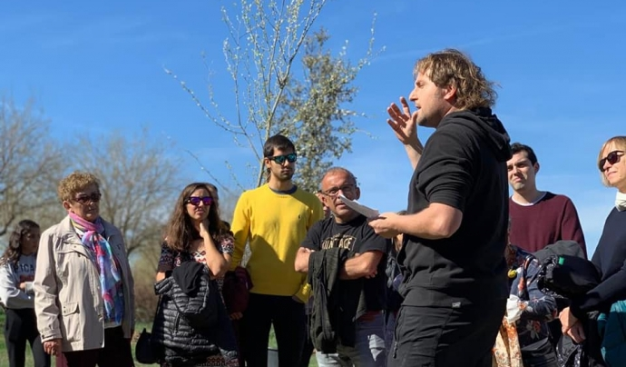 Pere Olivart  i altres membres de l'entitat a una jornada de voluntariat  Font: Associació La Banqueta de Juneda
