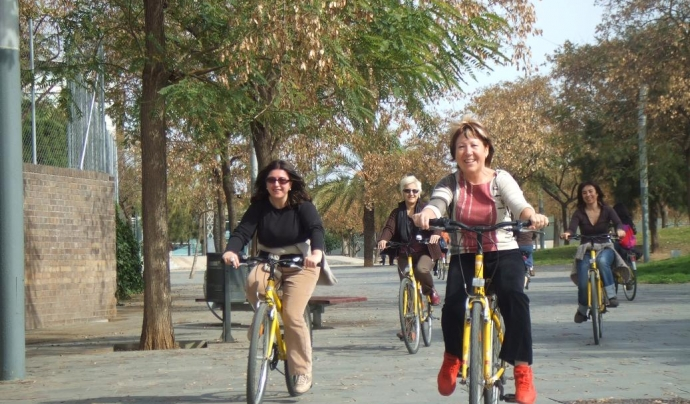 Des de fa anys l'associació BACC ensenya a anar i a circular en bicicleta amb la Biciescola