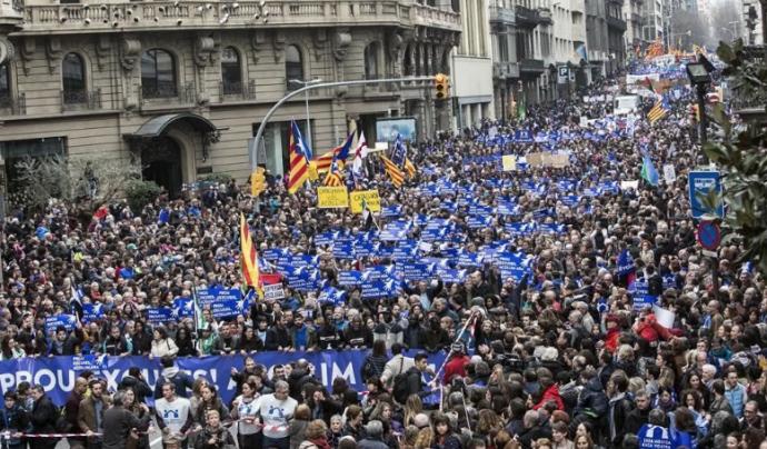 La manifestació #VolemAcollir va tenir un gran èxit en part gràcies a la difusió que es va fer per xarxes. Font: Twitter
