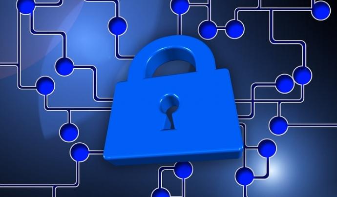 La privacitat de les dades és un dret de les persones usuàries i una obligació de les organitzacions Font: Geralt a Pixabay