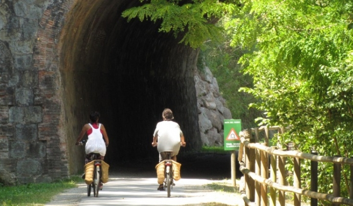 Les entitats ambientals de custòdia ofereixen sortides d'ecoturisme per conèixer els espais i els projectes de conservació de la natura Font: Arrèlia