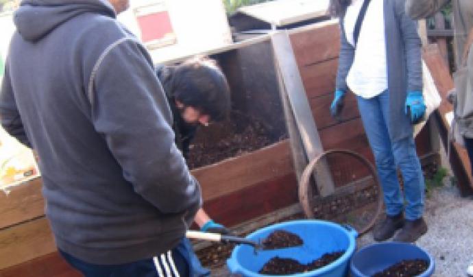 Un grup de persones de la comunitat de compostaires de Barcelona Font: Espai Ambiental