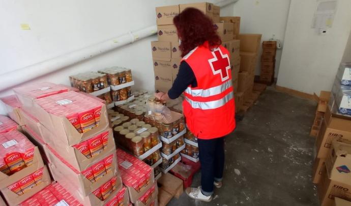 Creu Roja començarà la distribució en els pròxims dies de més de 400 tones d'aliments, que es destinaran a 22.443 persones en situació de vulnerabilitat  Font: Creu Roja Girona