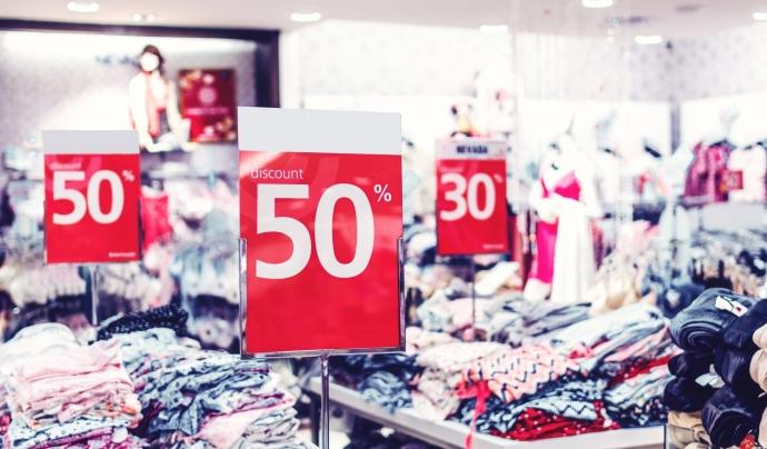 Grans descomptes a les botigues pel Black Friday Font: CC