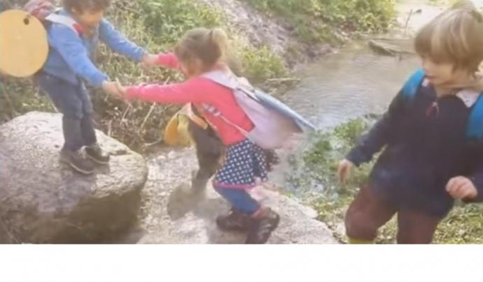 Nens i nenes de l'escola del Bosc de Rubió