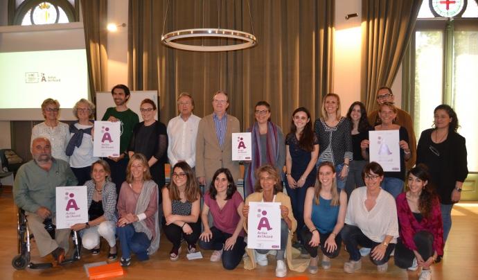'Foto de família a l'acte de lliurament dels 'Actius de l'Acord'. Font: FCVS