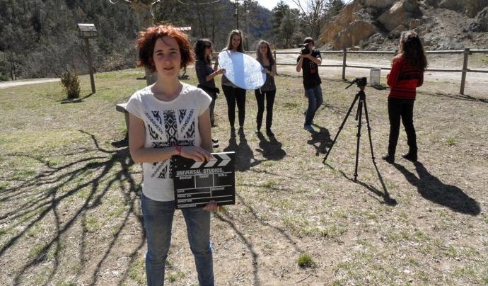 Fora de Quadre treballa amb persones joves per despertar mirada crítica davant la realitat i del sector audiovisual Font: Fora de Quadre