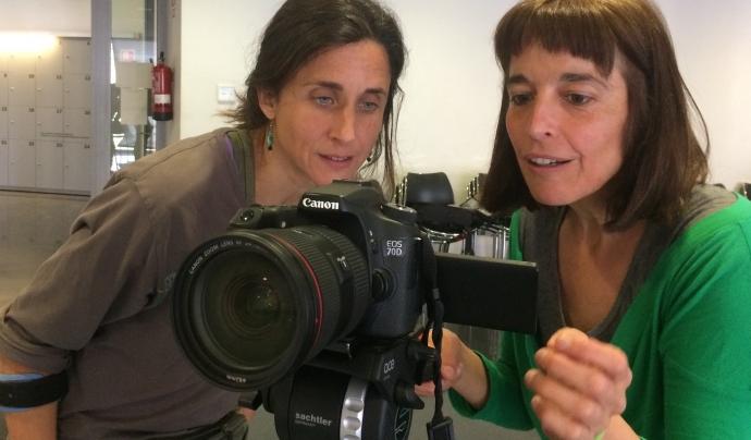 Cristina Mora i Norma Nebot, membres de l'associació que considera l'audiovisual una eina de transformació social Font: Fora de Quadre