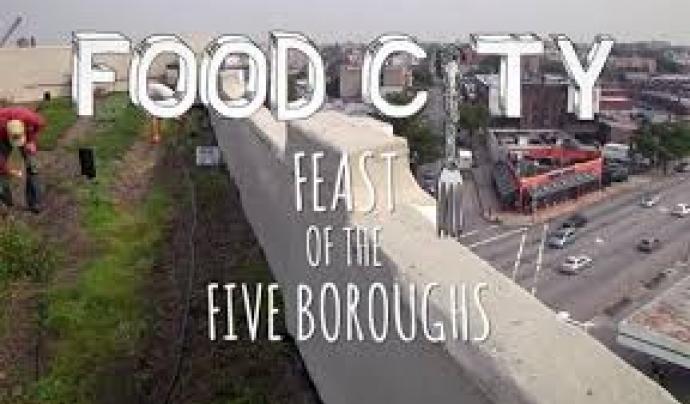 Food city es vol recuperar l'alimentació de proximitat, i es presenten  ingredients cultivats o recollits en els cinc comtats de la ciutat de Nova York Font: Food City