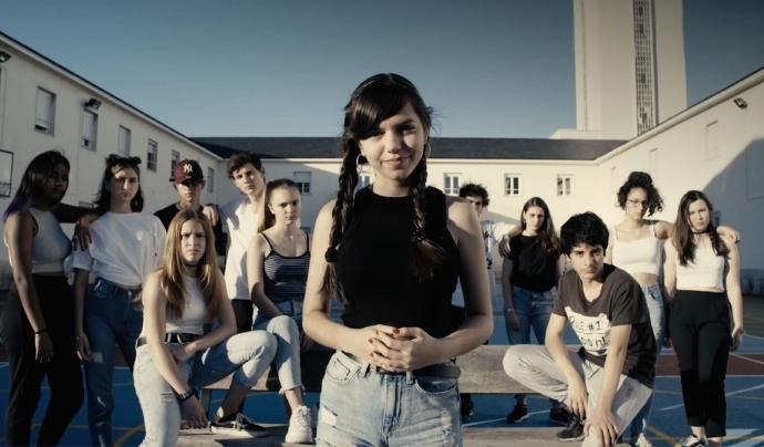 Protagonistes del vídeo de la cançó.