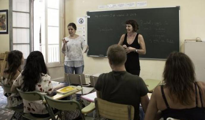 La Fundació Bayt-al-Thaqafa cerca docents per donar classes de castellà a persones refugiades i migrades. Font: Fundació Bayt-al-Thaqafa
