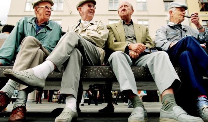 Els Amics de la Gent Gran necessiten persones voluntàries per acompanyar gent amb edat avançada. Font: Wikimedia Commons