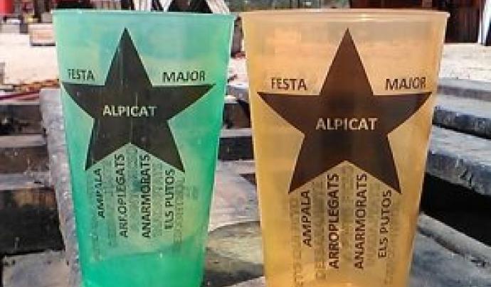 A Alpicat han acompanyat els gots amb una campanya d'educació ambiental i un concurs de reciclatge Font: Festa Major Alpicat