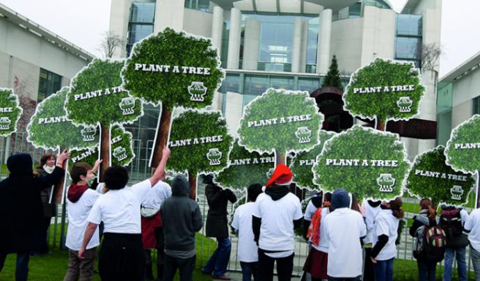 L'Associació Plant for the Planet explica el seu projecte en una conferència durant el Dia Mundial del Medi Ambient