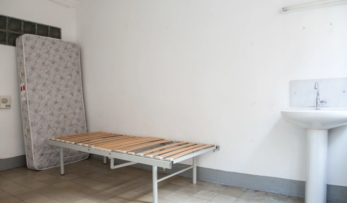 Una de les habitacions de la residència que seran reformades. Font: Fundació Hàbitat3