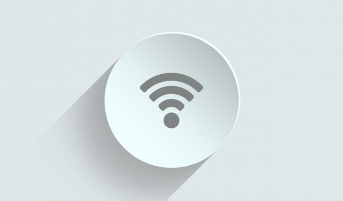 L'accés a Internet és un dels passos per escurçar la bretxa digital. Font: ivke32 (Pixabay)
