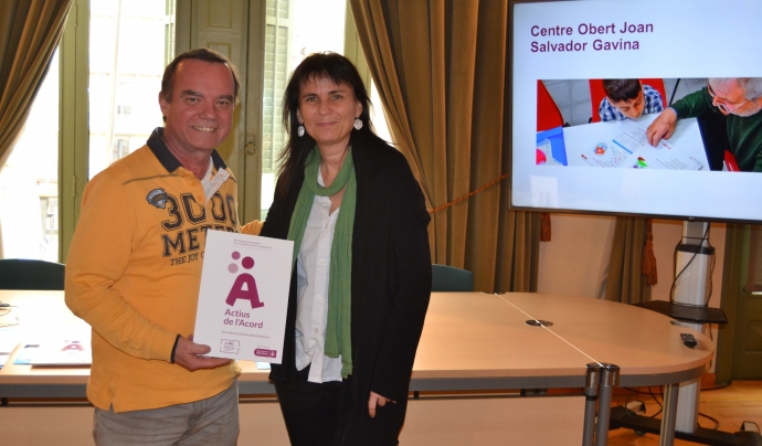 Jordi Balot, director de la Fundació Joan Salvador Gavina, en el moment de la recepció del segell. Font: Voluntaris.cat