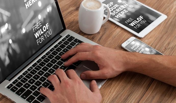 Les persones amb TEA tenen facilitat per concentrar-se en tasques informàtiques. Font: Pixabay