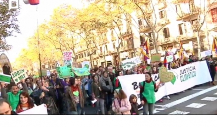 Milers de persones van participar en la Marxa pel Clima a Barcelona Font: beteve