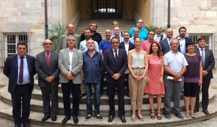 El Grup de Defensa del Ter celebra l'acord amb el conseller Rull i la secretària de medi ambient i sostenibilitat Marta Subirà Font: Grup de Defensa del Ter