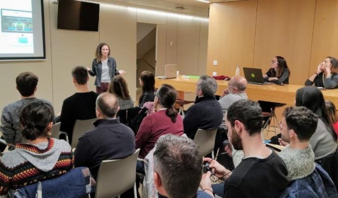 En les trobades de Tecnologia Solidària s'intercanvien coneixements i es fan contactes. Fotografia de Tecnologia Solidària.  Font: Tecnologia Solidària