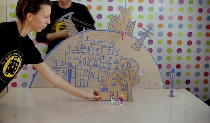 Fotograma del vídeo que explica com treballa el Projecte Paidós Roquetes Font: Canal de Youtube de Càritas Diocesana de Barcelona