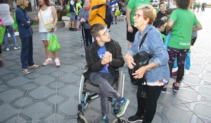 Un participant amb paràlisi cerebral a l'11a caminada solidària La Muntanyeta. Font: APPC La Muntanyeta