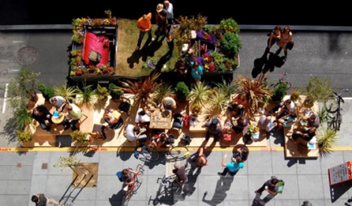 La recuperació de l'espai públic per a les persones és l'objectiu del Park(ing) Day