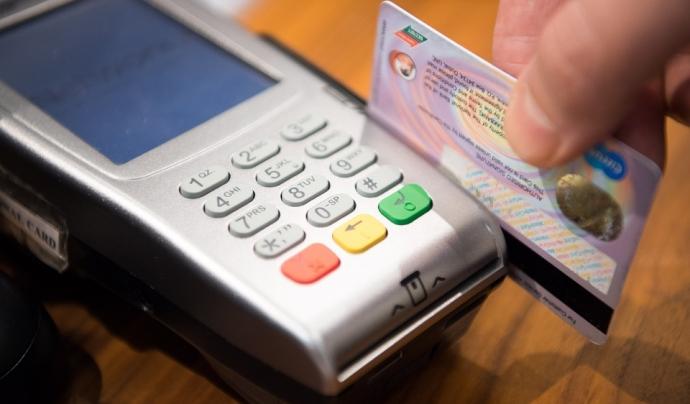 Pagar amb targeta també pot ajudar a finançar projectes socials. Font: MaxPixel