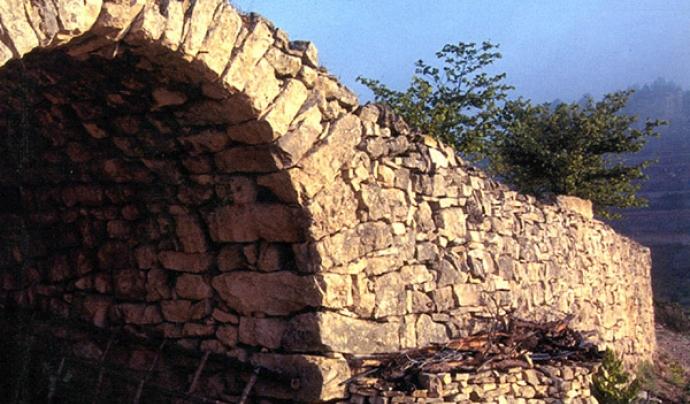 La públicació de llibres tècnics i divulgatius permet divulgar i posar en valor l'art i el paisatge de la pedra seca Font: Fundació El Solà