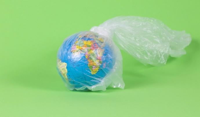 Les entitats socials també poden reduir el consum de plàstic amb algunes alternatives en el dia a dia. Font: Marco Verch, Flickr