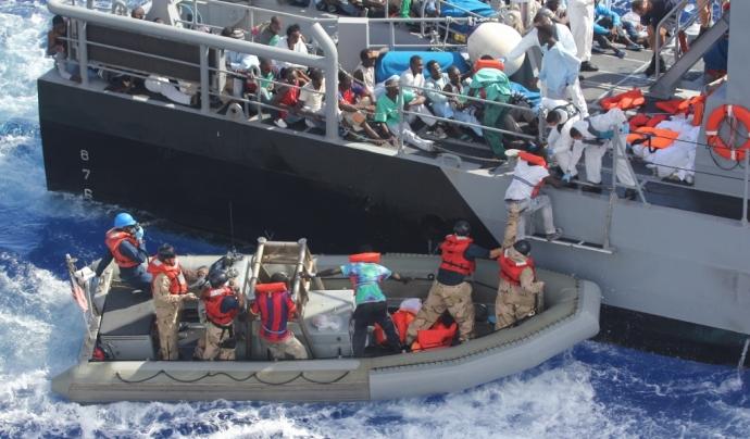 El col·lectiu refugiat travessa el Mar Mediterrani per arribar a Europa.