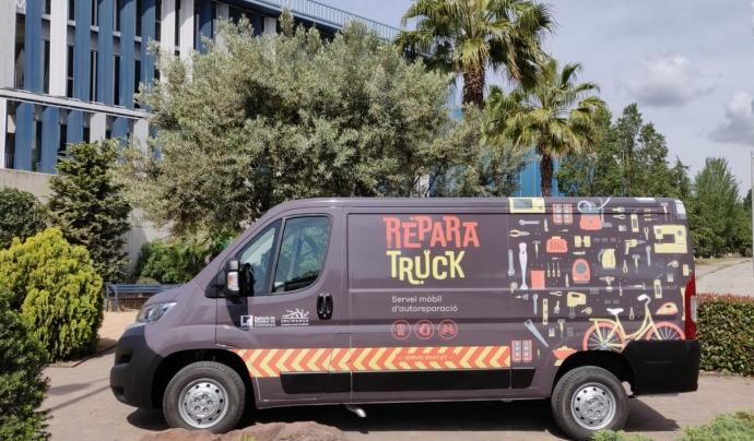 Imatge de la furgoneta i servei mòbil 'Reparatruck'. Font: Twitter