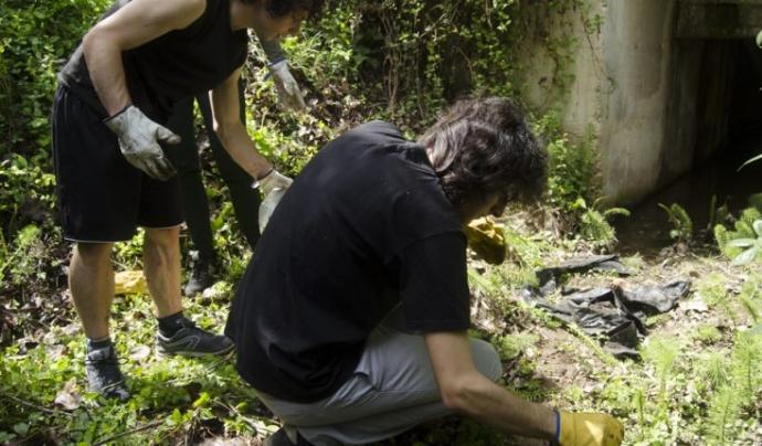 Jornada de voluntariat ambiental amb la FAS UAB Font: FAS UAB