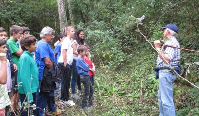 Voluntariat ambiental a Sant Bartomeu del Grau Font: Escola La Monjoia