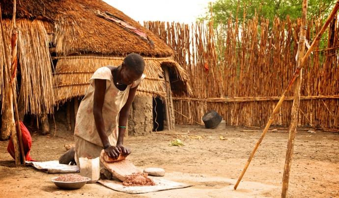 Dona del Sudan del Sud en una zona rural.