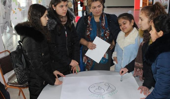 Fotografia de les participants de Tadjikistan Font: Technovation