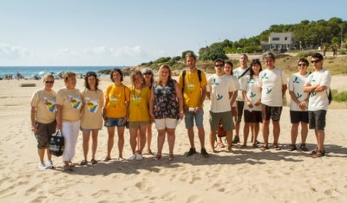 Les entitats ambientals tarragonines Gepec, Associació Mediambiental La Sínia, GATA i Plataforma Platja LLarga col·laboren en el projecte de voluntariat ambiental per la tortuga marina a Tarragona Font: Ajuntament de Tarragona