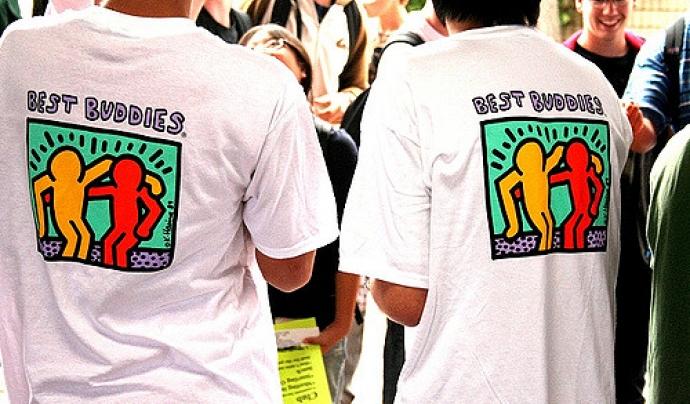 Samarreta de la fundació Best Buddies.