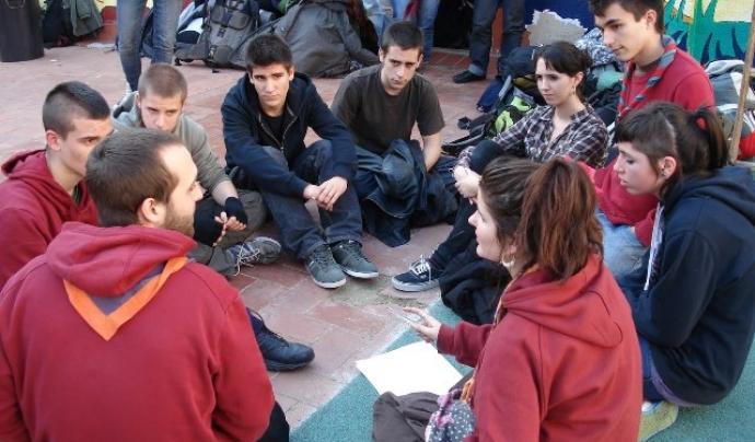 Nois i noies d'agrupaments escoltes del Barcelonès. Foto: MEG